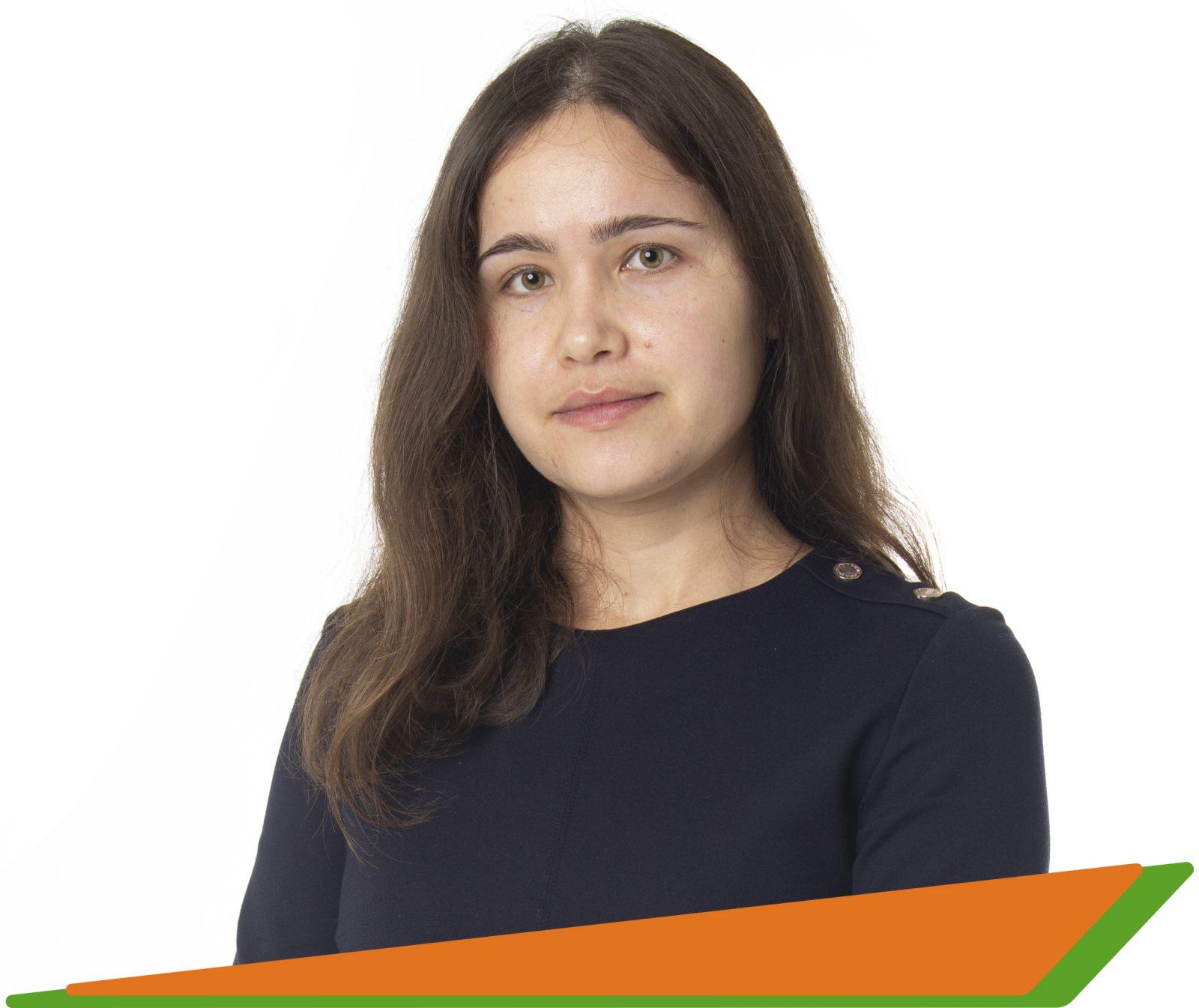 Петрова Анастасия Константиновна - - преподаватель английского, испанского, португальского и китайского языков