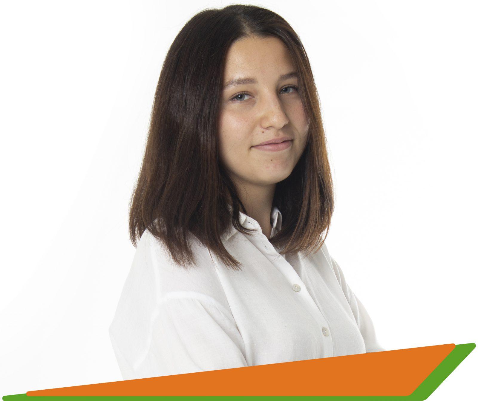 Васильева Алена Эдуардовна - преподаватель английского и немецкого языков